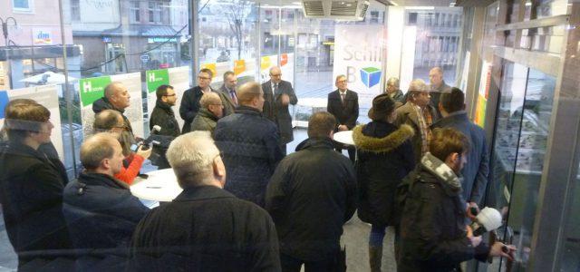 """Entwicklung Innenstadt Iserlohn – Schillerplatz-Areal: """"Schiller BOX"""" für Bürgerbeteiligung und Informationen rund um die Neugestaltung eröffnet"""