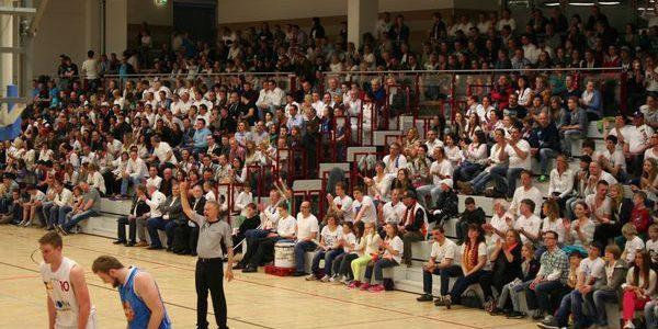 Hemberg-Sporthallen heißen jetzt Matthias-Grothe-Halle und Sporthalle Hemberg
