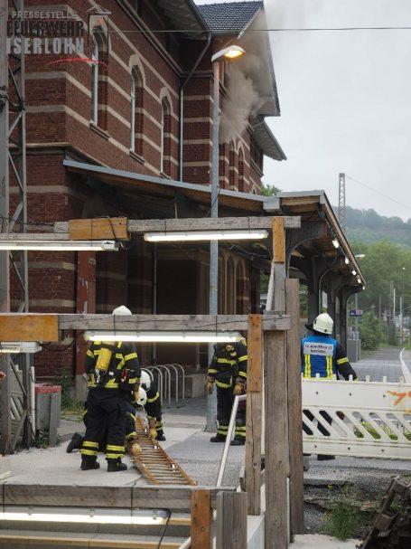 Feuer Bahnhof Letmathe - © by Feuerwehr Is.