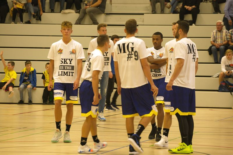 Basketball Testspiel Iserlohn Kangaroos - Phoenix Hagen /Warmup Phoenix - © by Sportstimme.de (MK)