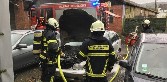 PKW brannte im Motorraum