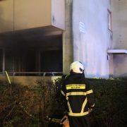 Zimmerbrand in einem Mehrfamilienhaus