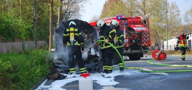 Dortmunder Straße wegen brennendem PKW gesperrt